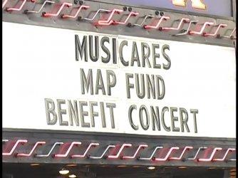 2007-05-10 Los Angeles [Artisan News TV Report].mp4_snapshot_00.12_[2021.08.02_15.26.10].jpg